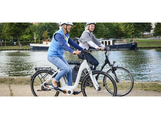 Senioren op een e-bike worden overmoedig