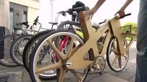 Een praktische fiets van karton voor minder dan tien euro